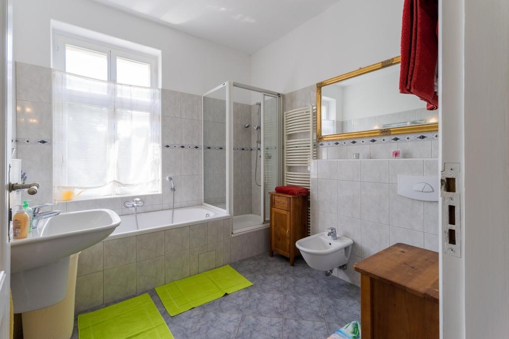 Badezimmer, bezugsfertige Wohnung in Berlin-Köpenick