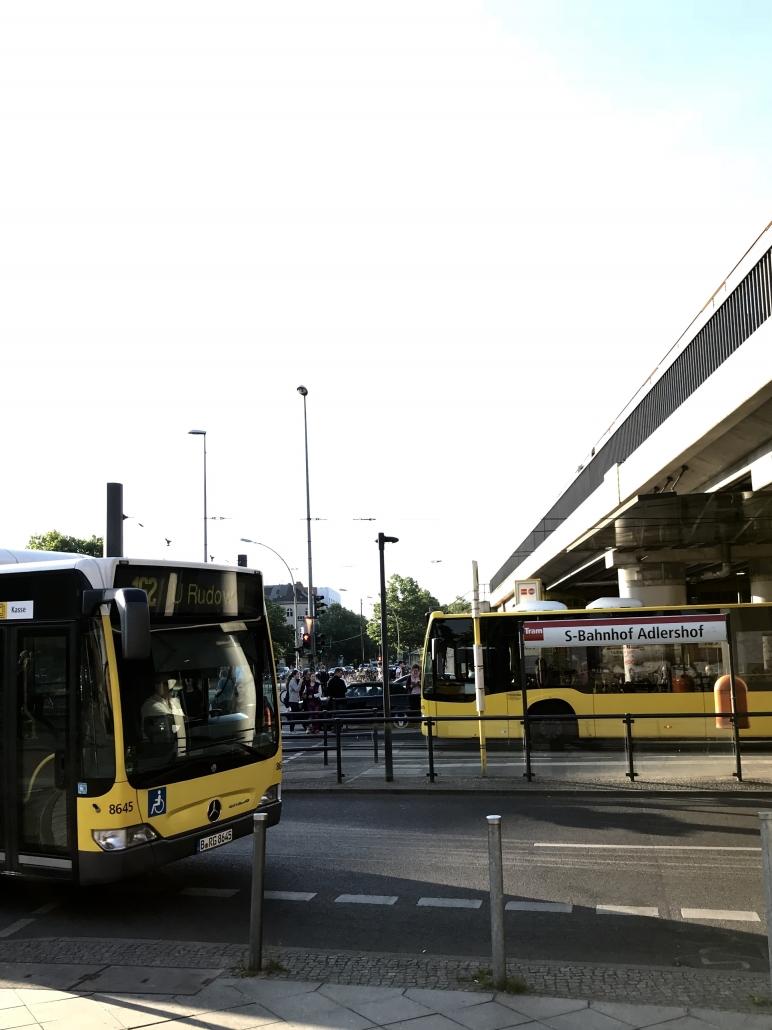 S-Bahn und Bus